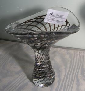 45_medium-kosta-konstglasvas-v-lindstrand-15-cm