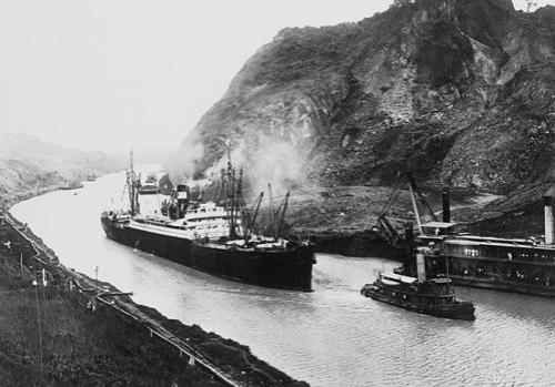 Canal_de_Panamá_15_agosto_1914